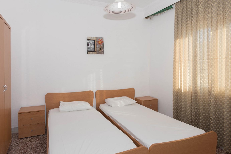 Apartment-Hotel_Karayiannis-Keramoti-Bedroom